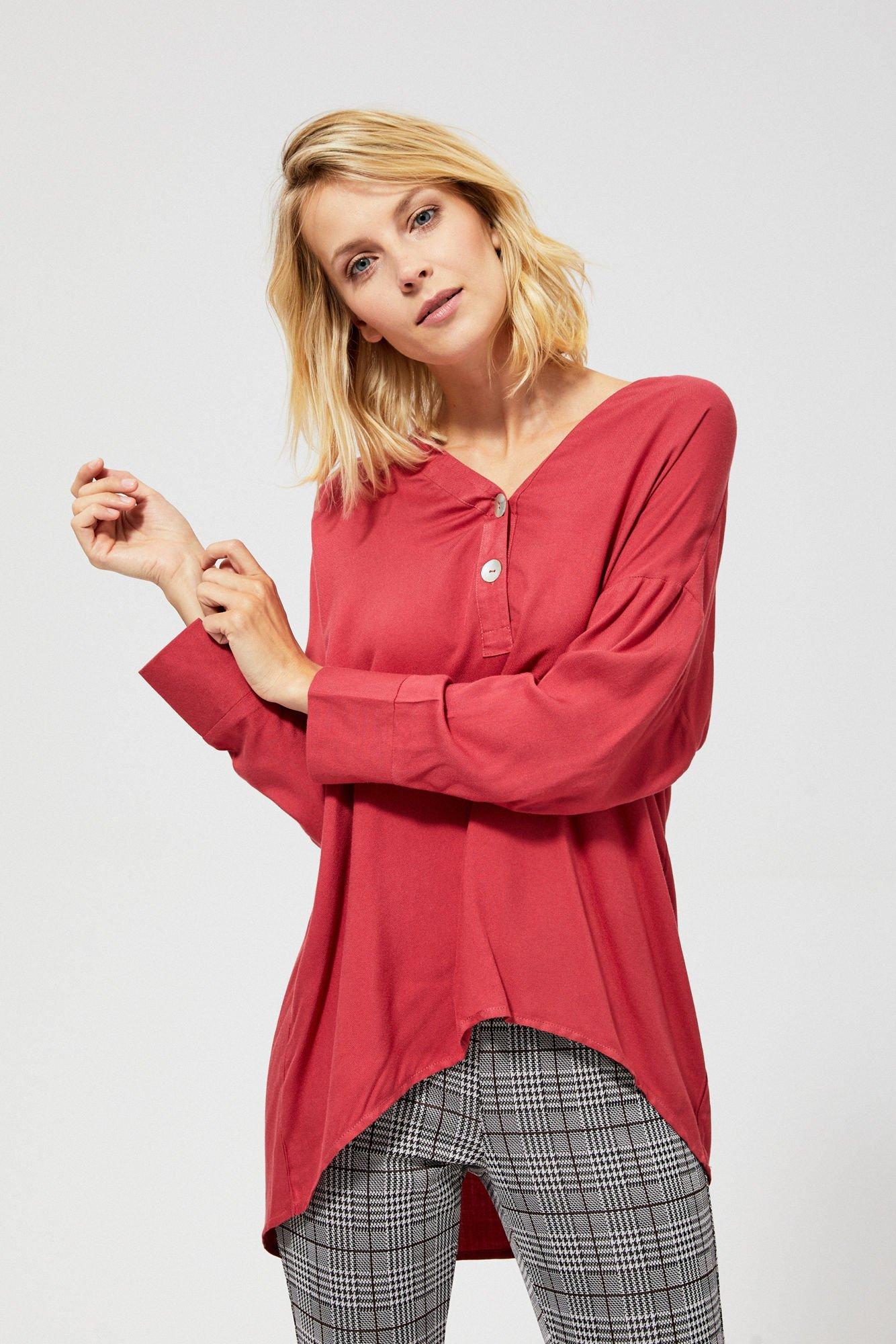 Koszula z ozdobnymi guzikami