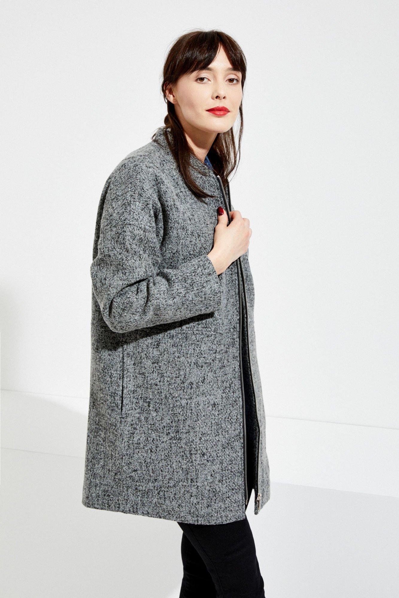 Kurtki, Płaszcze - Eleganckie i Wygodne Kolekcje ciepłych płaszczy damskich w trueiuptaf.gq Kurtki, Płaszcze Płaszcze i kurtki w różnym stylu. Klasyczne półdługie kurtki oraz płaszczyki, które można narzucić na ramiona w cieplejsze dni oraz przytulne, ciepłe płaszcze na brzydką pogodę z .