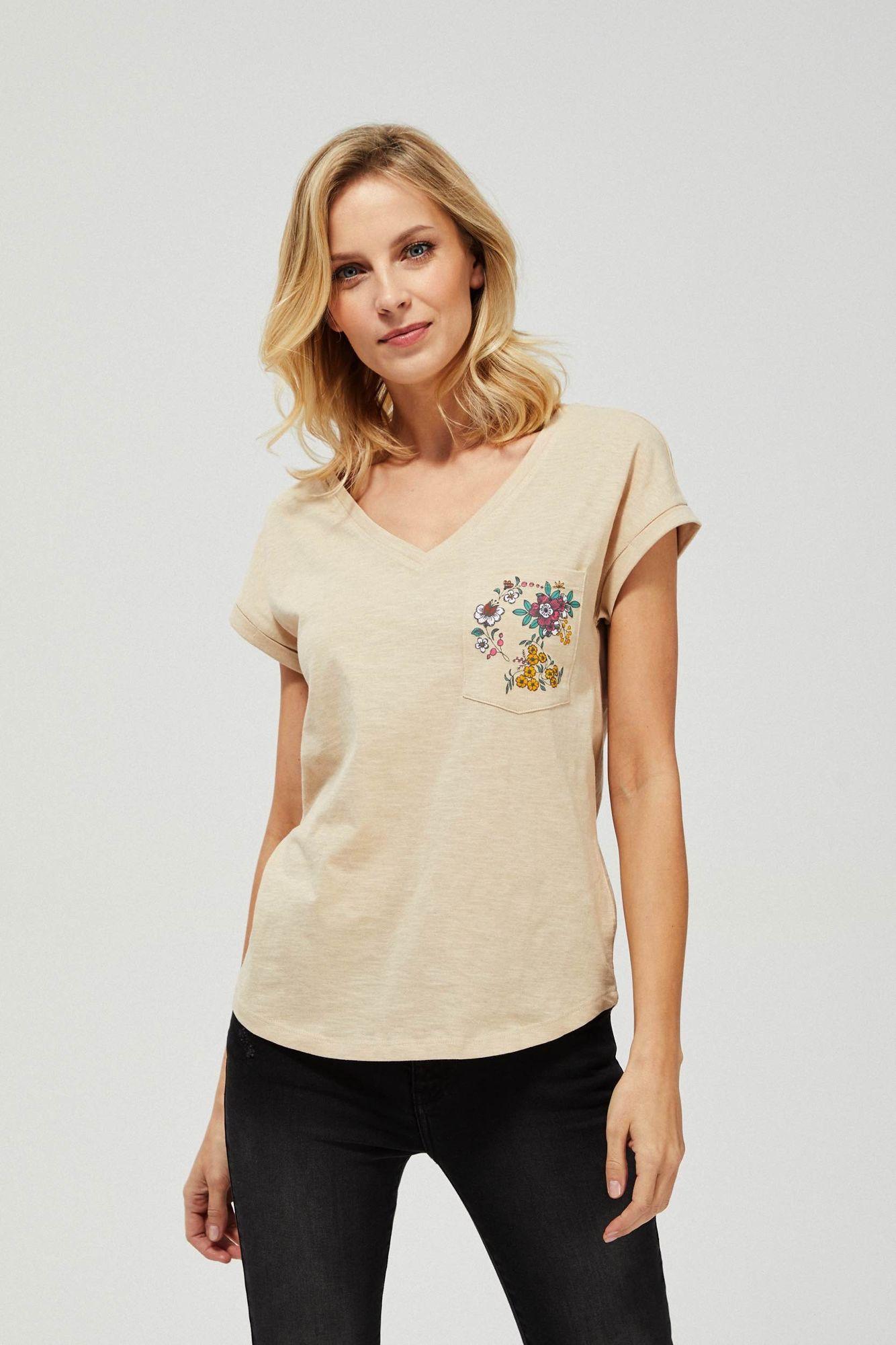 T-shirt z ozdobną kieszonką