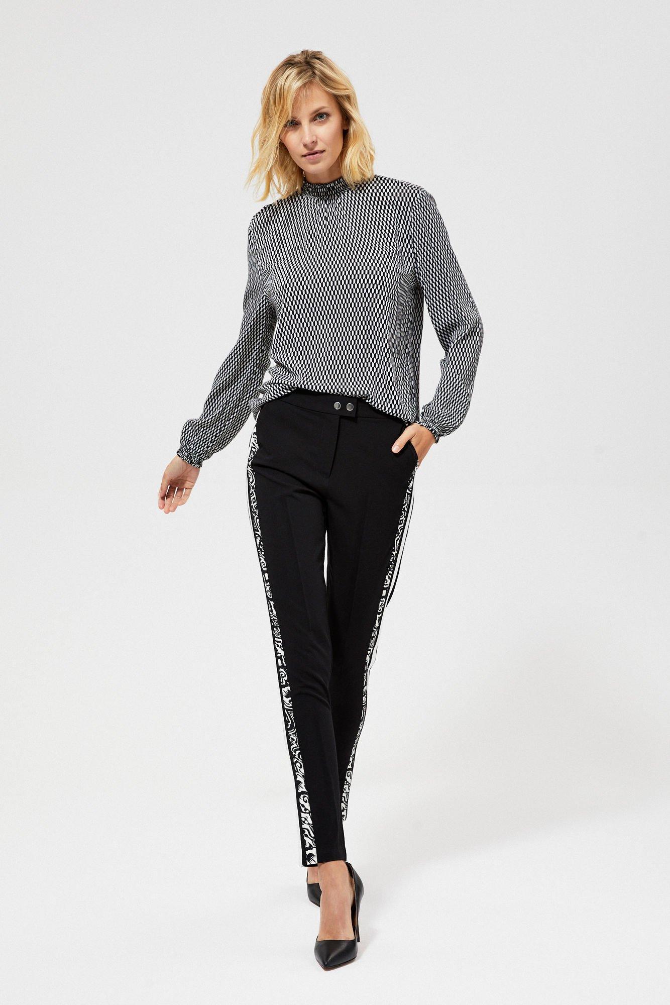 Spodnie z ozdobnymi lampasami
