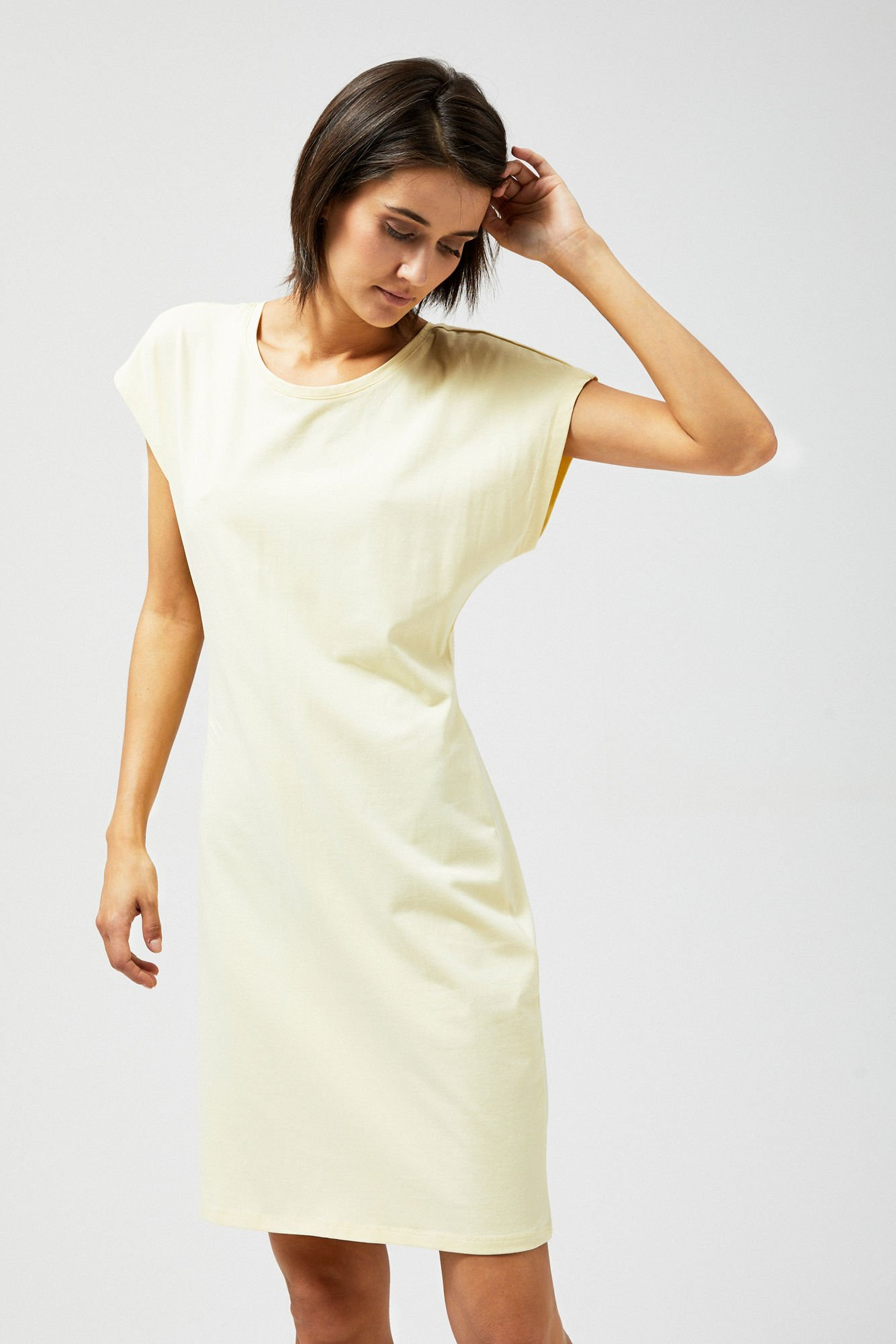 Sukienka z wiązaniem z tyłu