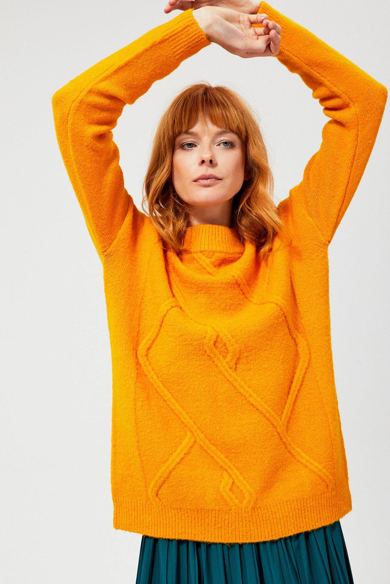 Sweter oversize z ozdobnym splotem