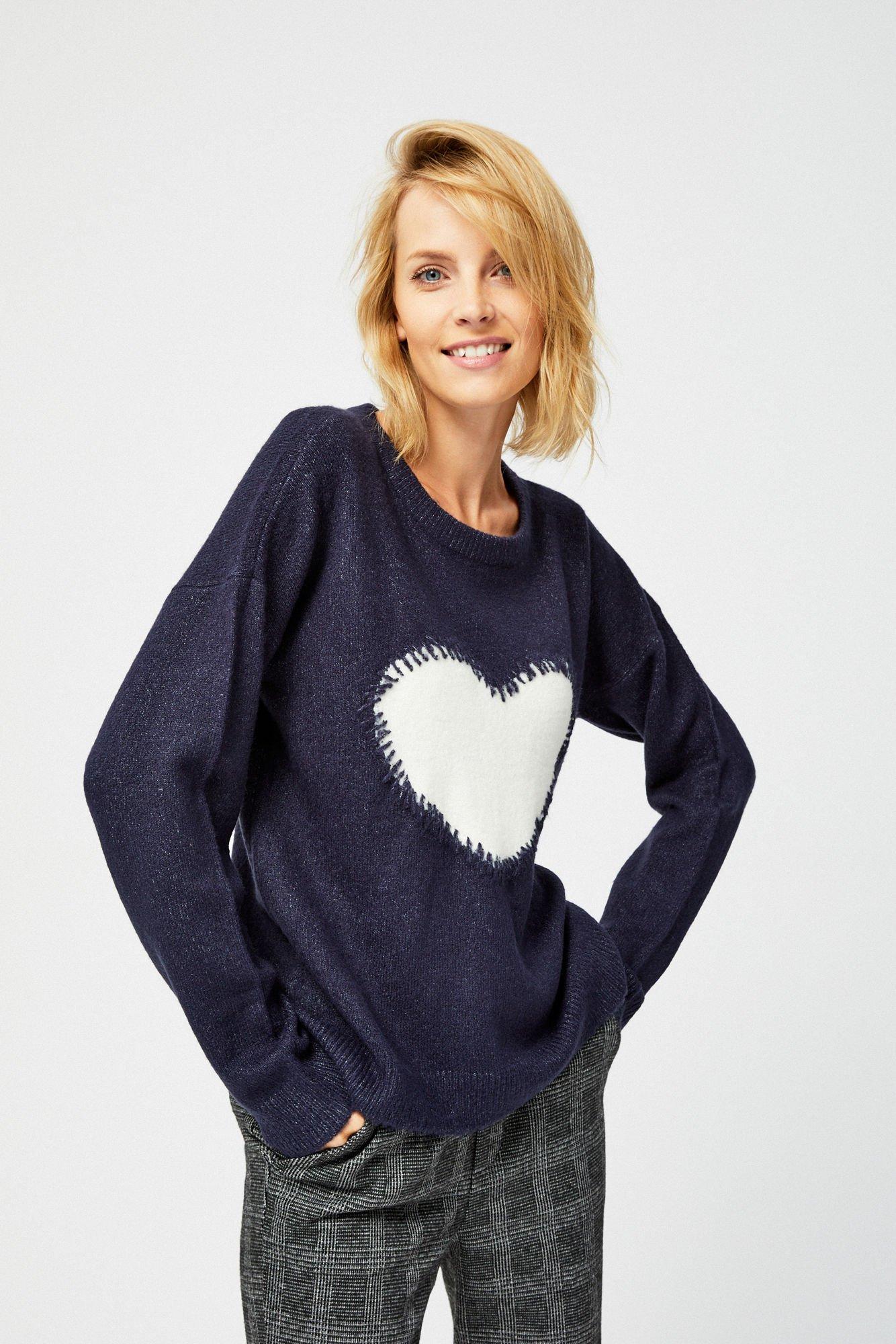Sweter z sercem