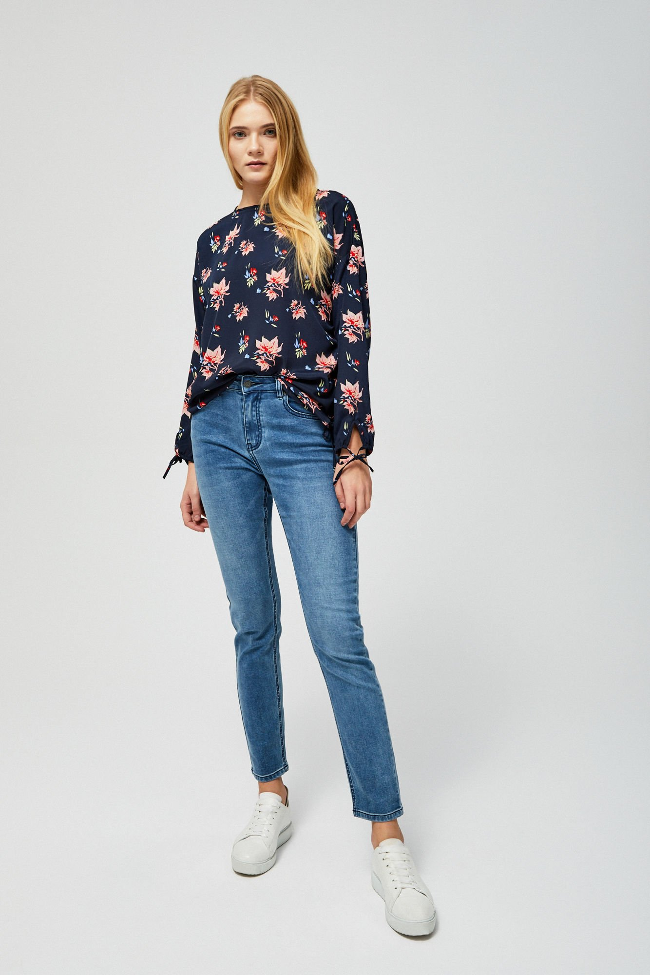 Jeansy typu straight leg
