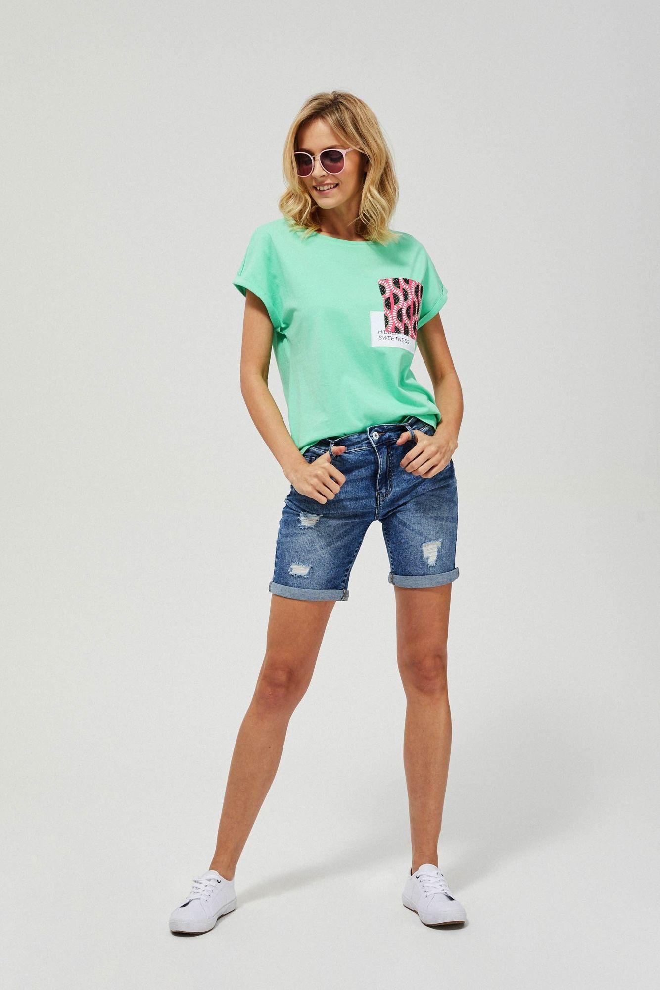 Szorty jeansowe z przetarciami