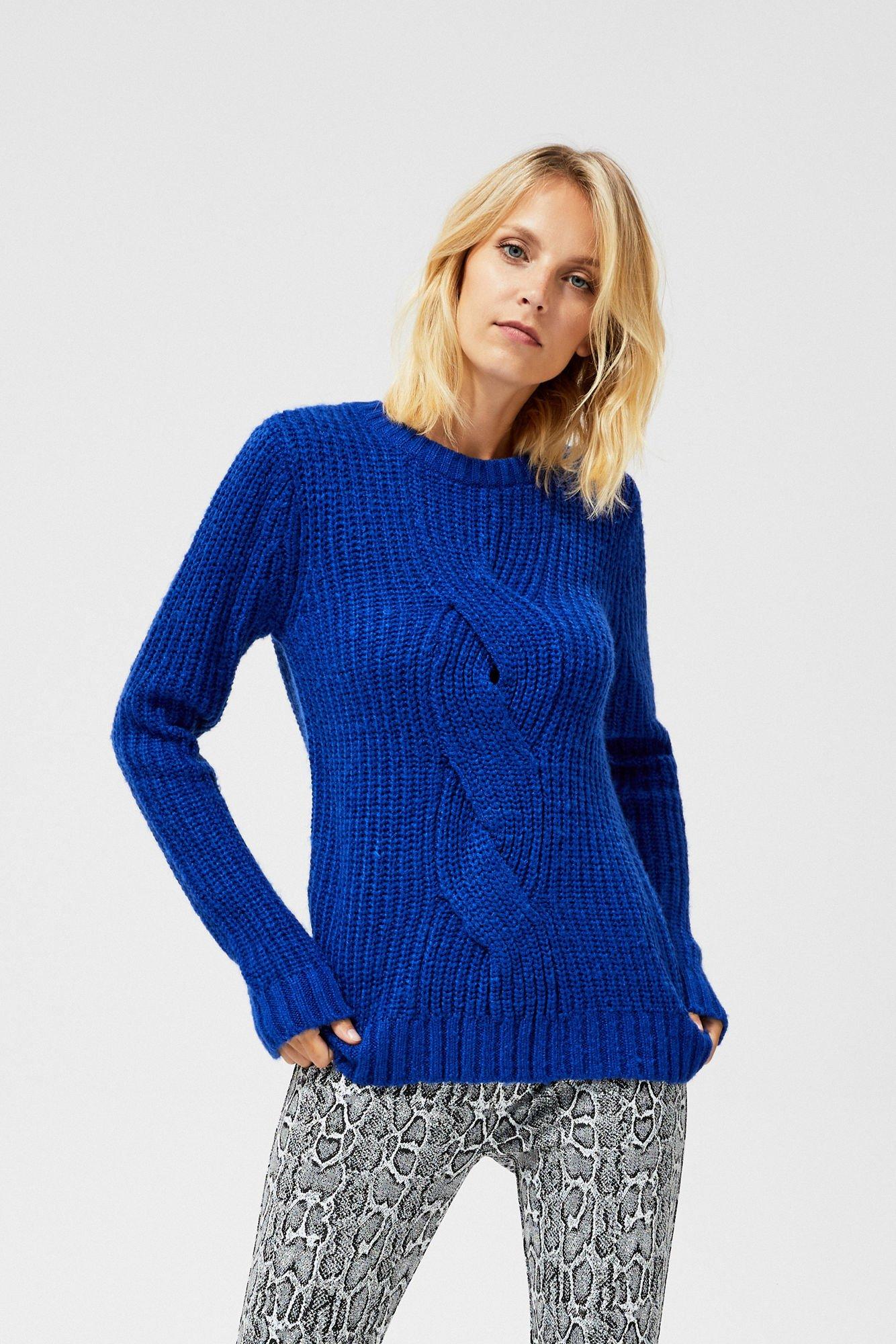 Sweter o wyraźnym splocie