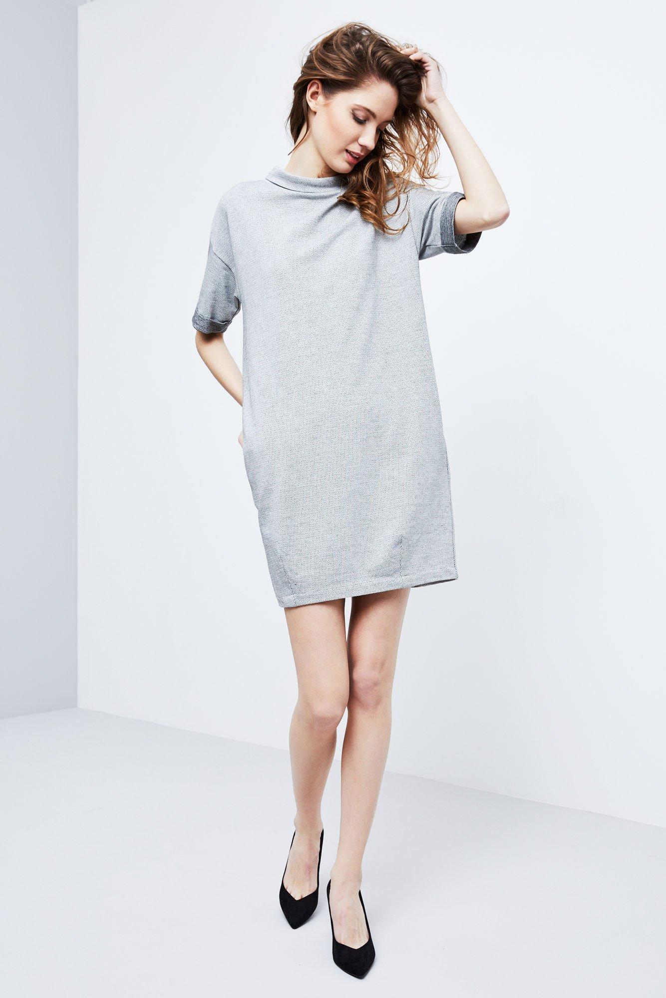 2e2cb0f1dcbc15 Sukienka z kieszeniami - | Moodo